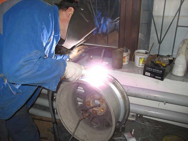 Профессиональная сварка аргоном литого диска